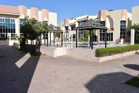 4 Bedroom Villa for Rent in Umm Suqeim, Dubai - Amazing 4Bed+Maid's Villa Close to Beach..