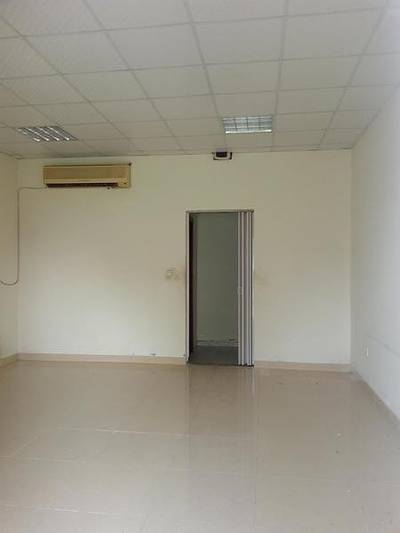 Shop for Rent in International City, Dubai - CHEAPEST OFFER SHOP FOR RENT IN ENGLAND CLUSTER INTERNATIONAL CITY