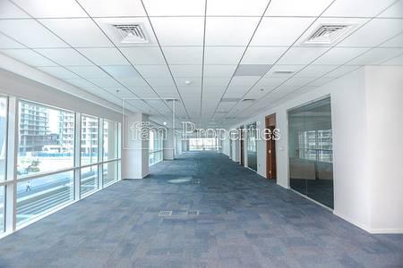 طابق تجاري  للبيع في الخليج التجاري، دبي - Fitted Full Floor  37 Parking Bay Square