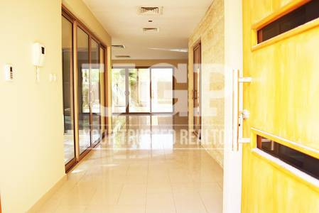 4 Bedroom Villa for Rent in Al Raha Gardens, Abu Dhabi - Huge Layout 4BR Villa w/ Pool and Garden