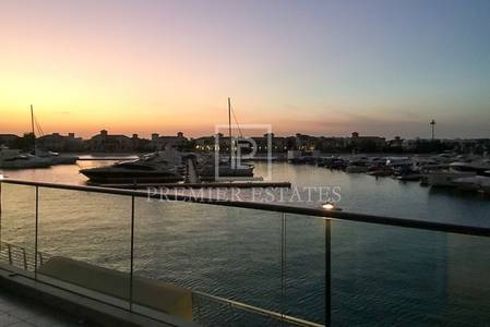 2 Bedroom Apartment for Rent in Palm Jumeirah, Dubai - 2BR plus Storage room - Full Marina view