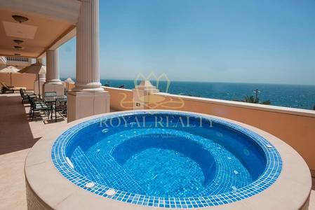4 Bedroom Penthouse for Sale in Palm Jumeirah, Dubai - Unique Luxurious Penthouse   Full Sea View