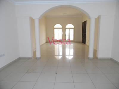 5 Bedroom Villa for Rent in Khalifa City A, Abu Dhabi - Separate entrance