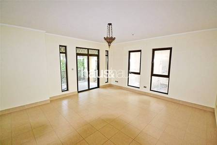 1 Bedroom Flat for Rent in Old Town, Dubai - Large Layout |Corner Unit| Available Now