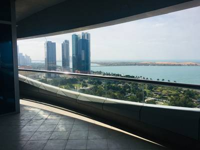 4 Bedroom Flat for Rent in Al Mina, Abu Dhabi - Spacious 4BR Apartment with huge balcony