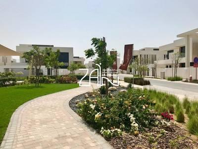 5 Bedroom Villa for Sale in Yas Island, Abu Dhabi - Corner 5 BR Villa T3 on Original Price!