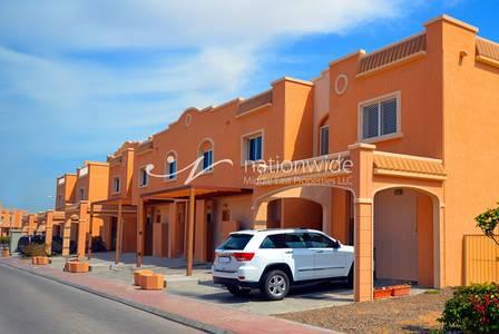 5 Bedroom Villa for Sale in Al Reef, Abu Dhabi - Good Price! 5 BR Villa|Maids|Study |Pool