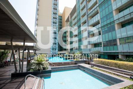 4 Bedroom Flat for Sale in Al Raha Beach, Abu Dhabi - Sea and Canal View 4BR Apt w/ Facilities