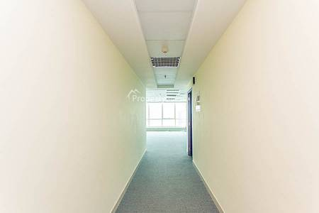 Office for Sale in Jumeirah Lake Towers (JLT), Dubai - Investors Dream  / 640 AED and 10% ROI