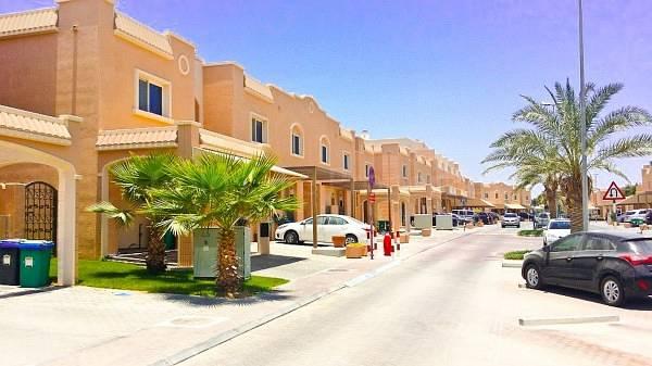 10 A Great Investment! 5BR Single Row Mediterranean Villa