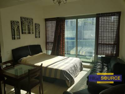 Studio for Rent in Dubai Marina, Dubai - Furnished studio for rent in the Point Tower