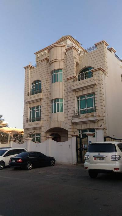 Studio for Rent in Madinat Zayed, Abu Dhabi - A lovely studio for rent in Madinat Zayed