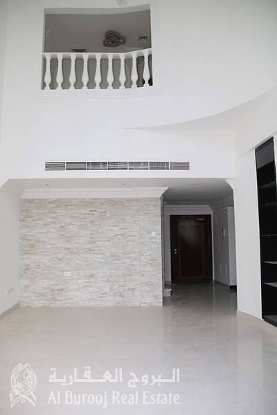 3 Bedroom Flat for Rent in Dubai Marina, Dubai - Beautiful Duplex Apartment at Emerald Residence