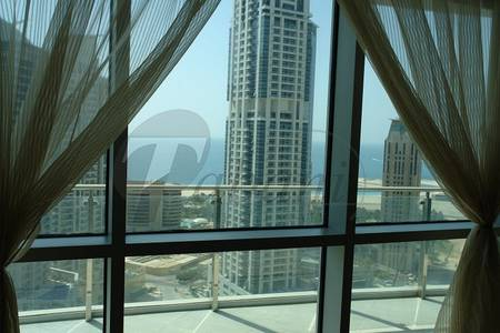 3 Bedroom Flat for Rent in Dubai Marina, Dubai - Apartment Is Fully Furnished And Has A Balcony Overlooking The Water