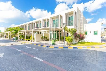 4 Bedroom Villa for Rent in Umm Al Sheif, Dubai - Well-managed 4 BR Villa | Prime Location