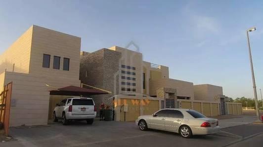 5 Bedroom Villa for Rent in Al Maqam, Al Ain - 5 Masters Bedroom Villa with Modern Interior plus separate 3 Bedroom Apartment!