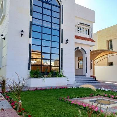 Amazing Villa Stone Face with big Garden & Jacuzzi in Perfect location