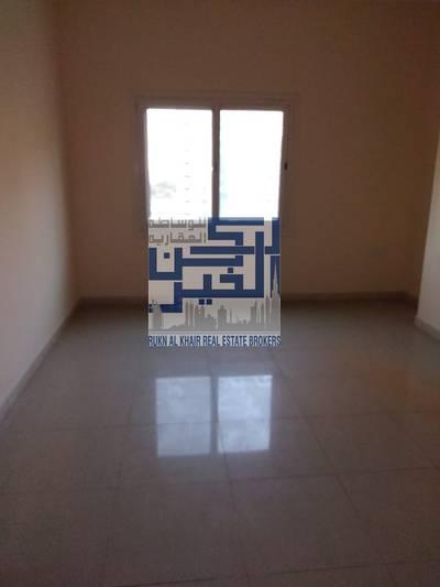 شقة 2 غرفة نوم للايجار في الخان، الشارقة - شقه غرفتين وصاله  بالخان مساحه كبيره بسعر 35000