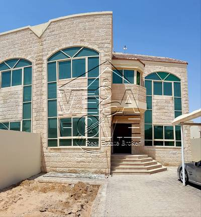 5 Bedroom Villa for Rent in Khalifa City A, Abu Dhabi - 5 BED VILLA W/ DRIVER / MAID AND LAUNDRY OUTSIDE.