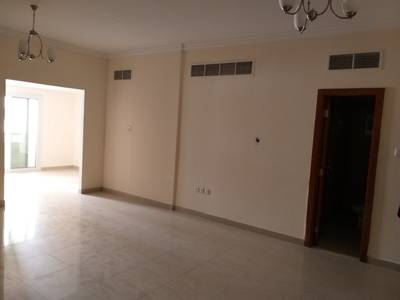 2 Bedroom Flat for Rent in Muwailih Commercial, Sharjah - With Kitchen appliances 2bhk with balcony, 2bath rent 40k in 6cheque