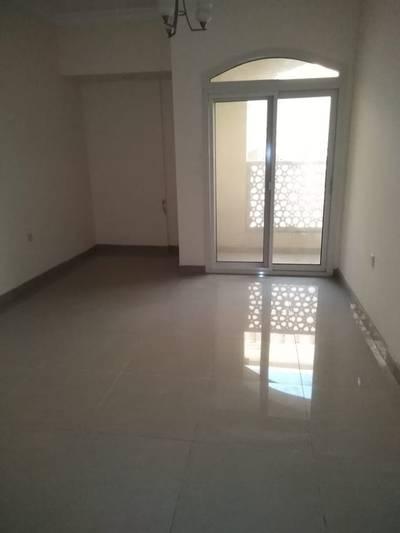 1 Bedroom Flat for Rent in Muwaileh, Sharjah - Spacious 1bhk in 30k area 900sqft 2 washroom 1parking free