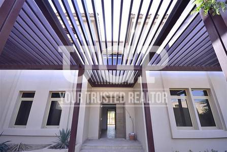 6 Bedroom Villa for Sale in Al Raha Golf Gardens, Abu Dhabi - Single Row|Vacant 6BR|Pool and Maids Rm.