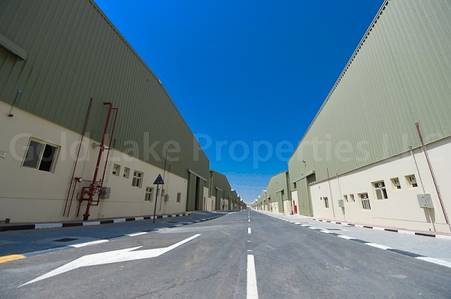 Warehouse for Rent in Emirates Modern Industrial Area, Umm Al Quwain - Amazing Deal! Huge Warehouse