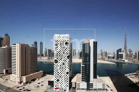 3 Bedroom Apartment for Rent in Business Bay, Dubai - Spacious w/ Canal View