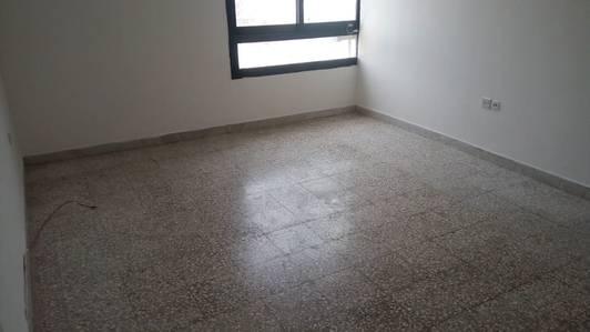 1 Bedroom Apartment for Rent in Al Falah Street, Abu Dhabi - 1 Bedroom 48k 2 washroom Central A. C in Al Falah near Wear Mart ,in  4 payments.