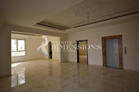 8 Bedroom Villa for Sale in Khalifa City A, Abu Dhabi - 8BR Villa in KCA with Lift for Sale!
