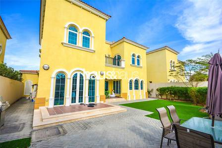 3 Bedroom Villa for Rent in Jumeirah Park, Dubai - Available January| Well Maintained Villa