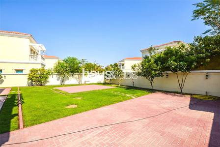 2 Bedroom Villa for Rent in Jumeirah Village Triangle (JVT), Dubai - 4 cheques | Immaculate |Fully Landcsaped