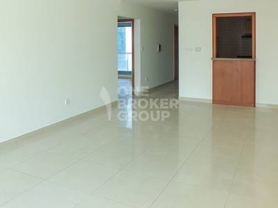 2 Bedroom Flat for Sale in Dubai Marina, Dubai - Investment! 2+storage in front of metro.