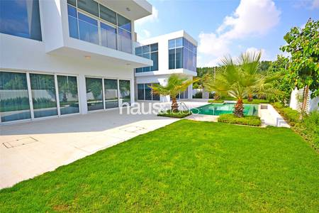 4 Bedroom Villa for Sale in Al Barari, Dubai - Corner plot | Single row | Great Privacy