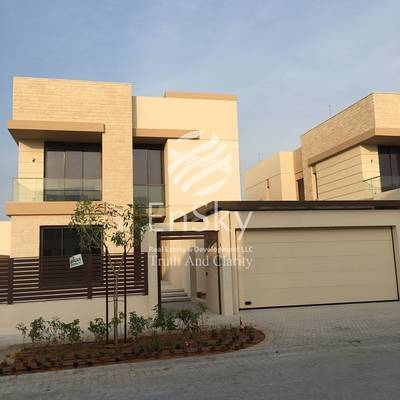 5 Bedroom Villa for Sale in Saadiyat Island, Abu Dhabi - Brand New 5 Bedroom Villa with a Partial sea view