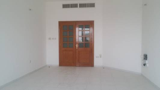 3 Bedroom Flat for Rent in Tourist Club Area (TCA), Abu Dhabi - Excellent 3 Bedroom with Maid 75K Electra TCA Abu Dhabi