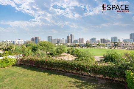 5 Bedroom Villa for Rent in Dubai Sports City, Dubai - Golf Course View - Well Kept - Type B1