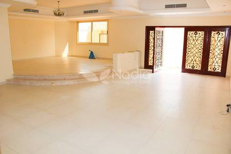 6 Bedroom Villa for Rent in Umm Suqeim, Dubai - Sea View 6 Bedroom Villa - Kite Beach - Umm Suqeim 1