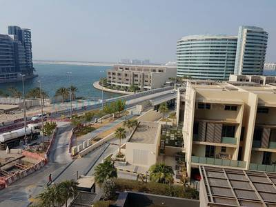 2 Bedroom Flat for Rent in Al Raha Beach, Abu Dhabi - Sea view 2 bedroom high floor