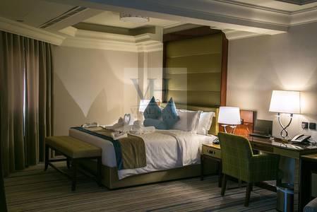 Studio for Rent in Sheikh Zayed Road, Dubai - Dewa/Wifi Free.furnished/serviced studio-Burj view !