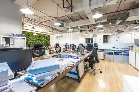 Office for Sale in Business Bay, Dubai - Huge Fitted Office Space  Prime Location