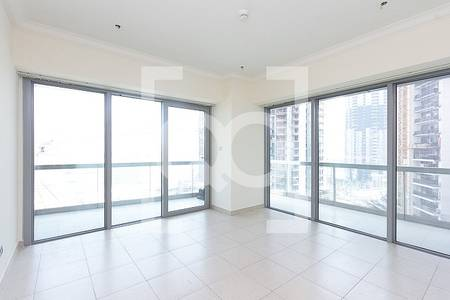 2 Bedroom Flat for Rent in Downtown Dubai, Dubai - Tremendous |2 BR+S|A/C Free| Vacant End of Dec