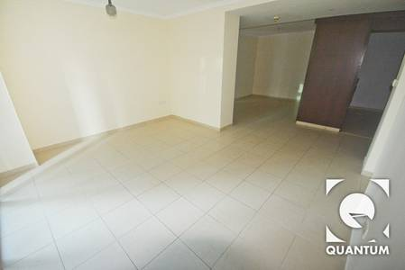 2 Bedroom Apartment for Rent in Downtown Dubai, Dubai - Very Cheap | Spacious Layout | Vacant