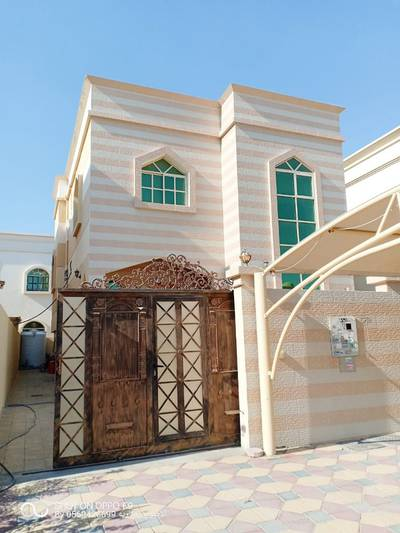 5 Bedroom Villa for Sale in Al Mowaihat, Ajman - Free Hold Villa on main road For Sale in ajman near Mohamed Ben zayed road with elec. and water