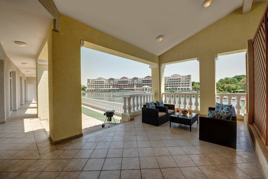 8 Fully Furnished Fully serviced 3 Bedroom Apartment