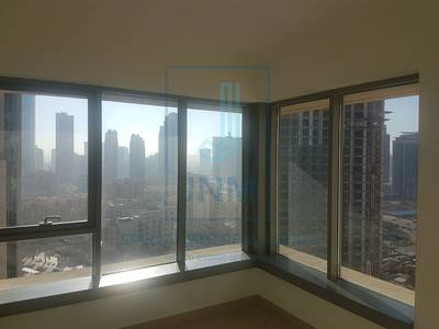 1 Bedroom Flat for Rent in Downtown Dubai, Dubai - High Flr Well Maintained Unit w/ Balcony