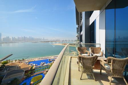 1 Bedroom Flat for Sale in Palm Jumeirah, Dubai - Spectacular Views from this 1 Bedroom in Oceana