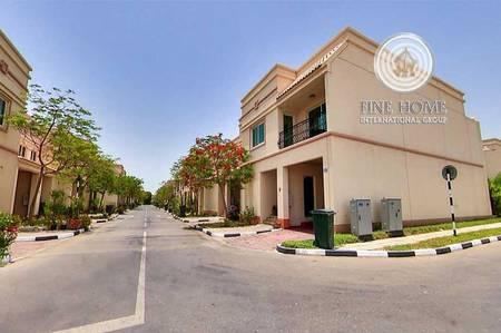 2 Bedroom Villa for Sale in Abu Dhabi Gate City (Officers City), Abu Dhabi - Terrific 2 BR Villa