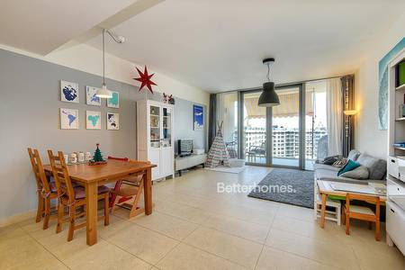 2 Bedroom Apartment for Sale in Al Raha Beach, Abu Dhabi - Lovely Two Bedroom with Balcony in Al Zeina
