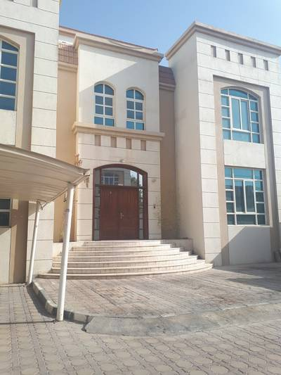 Studio for Rent in Between Two Bridges (Bain Al Jessrain), Abu Dhabi - Stunning studio with Tawteeq and closed parking!